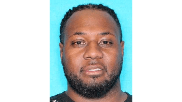 Haughton man wanted for stabbing Shreveport woman multiple times