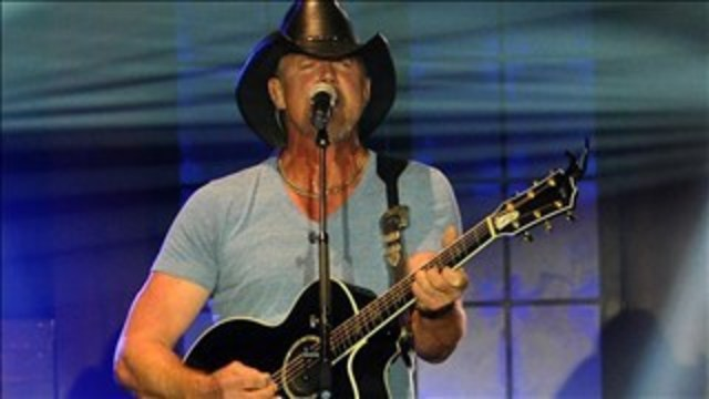 Text to win two tickets to Trace Adkins, buffet passes at Horseshoe Casino Riverdome