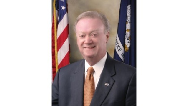Edwards calls on Schedler to resign