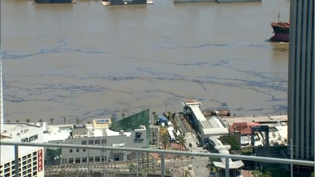 Vessel Crash Leads to Mississippi River Oil Spill